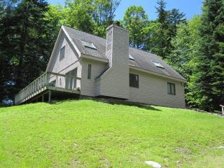 Simple cabin-style home, close to skiing & golf, Dover