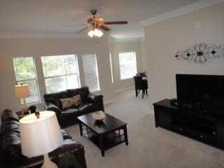 Furnished 3-Bedroom Apartment at Sage Rd & Ilfrey Ln Houston