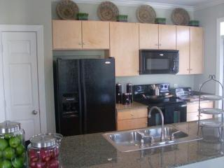 Gorgeous 1 Bedroom Apartment With Kitchen - Fully Furnished, The Woodlands