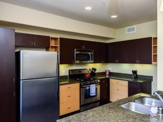 GORGEOUS FURNISHED 2  BEDROOM 2 BATHROOM APARTMENT, Irvine