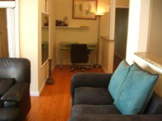Furnished 5-Bedroom Home at Avenue San Luis & Dunman Ave Los Angeles, Calabasas