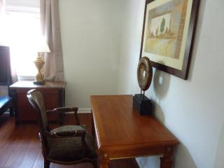 Furnished 3-Bedroom Flat at Foothill Blvd & Vicksburg Ave Oakland, Alameda
