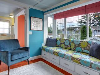 Furnished Studio Cottage at NW 67th St & 25th Ave NW Seattle