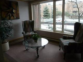 Executive 3 bd 3 ba condo 10 min to downtown, pkg., Ottawa