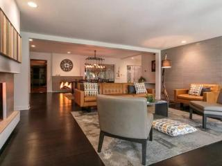 Resort Style Apartment w/ Indoor Pool, Sauna, and Game Room, Addison