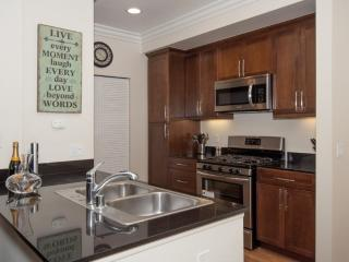 Furnished 2-Bedroom Condo at Jamboree Rd & Campus Dr Irvine