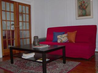 Furnished 3-Bedroom Apartment at Eastern Pkwy & Washington Ave Brooklyn