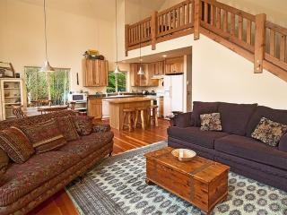 Magnificent Lodge - 3 Bedroom 3 Bathroom With Exciting Game Room, Skykomish