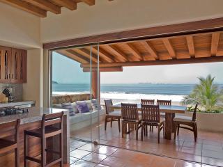 Condominio exclusivo sobre la Playa, Playa Blanca