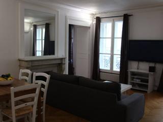 amazing flat in Bastille-Le marais, Parijs
