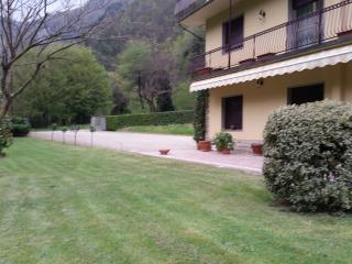 appartamento  in casa singola  al primo pianocon  auto, Bagni Di Lucca