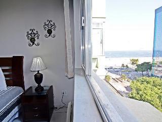 Comfortable two-bedroom apartment with sea view in Copacabana - Rio de Janeiro D027