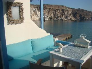 "Amazing ""Oneiro"" Beach Bungalow Studio, Firopotamo, Milos"