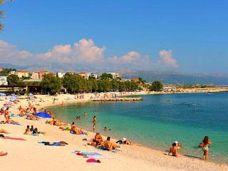 Seaview apartment near the beach in Split