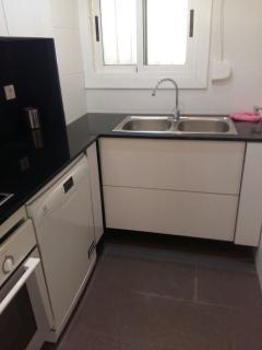 Incorporamos lavavajillas y recogida de residuos selectiva en la nueva área de cocina
