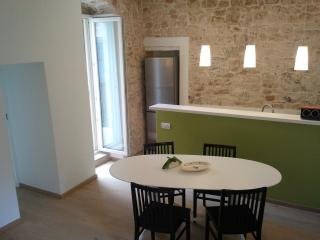 LANOVA- Lovely stone house in the medieval village, Conversano