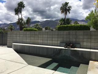 Downtown Palm Springs Zen Pool Home