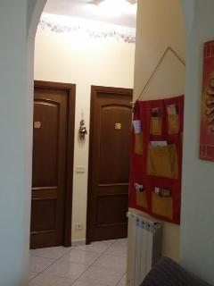 Interno: Ingresso alle camere ed info point
