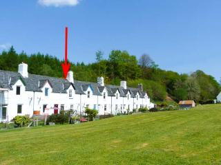 CRINAN CANAL COTTAGE, pet-friendly, woodburner, canalside cottage, near