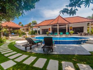 3 Bedrooms - Villa Ginger - Central Seminyak