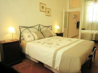 Della Spada apartment in Duomo with WiFi & airconditioning (warm / koud).