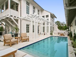Private outdoor pool and kitchen, completely renovated in 2015, spacious and bright - Kingston, Rosemary Beach