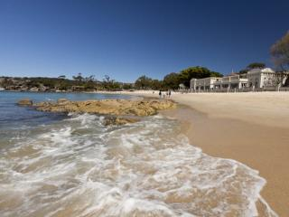 Beach and City, Balmoral