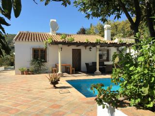 Villa Faboosh: Luxe vakantievilla + privé-zwembad, Cómpeta