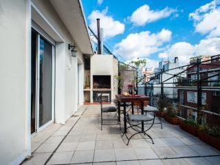 BEST RECOLETA 2 bedroom 4-5 PAX terrace + BBQ, Buenos Aires
