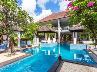 Huge Charming 7 Bedroom Villa - Andaman