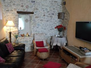Charming 3 Bed Stone Village House/Roujan
