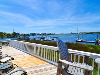 Bay Watch- 3 Bedroom -w/Loft as 3rd BR w/Boat Slip, Carolina Beach