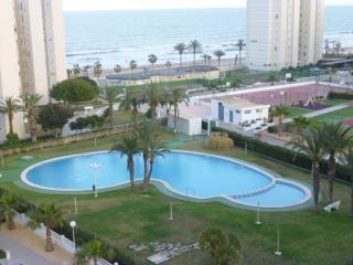 Beachfront Urbanova Beach. Large Apartment. Pool, Alicante