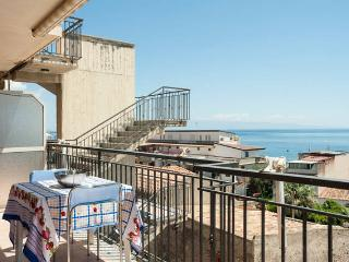 Panoramic seaview apartment near the beach