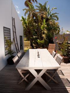Profitez de la terrasse pour vos repas en extérieur