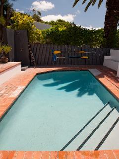 Une piscine pour vous détendre lors des chaudes journées d'été