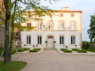 Luxury Manor House Near La Rochelle, Mouilleron-en-Pareds
