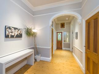 Charming Marchmont garden flat, Edinburgh