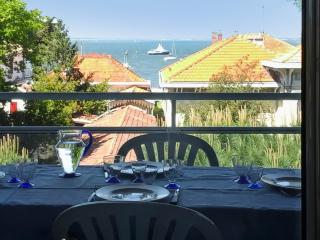 Comfortable apartment with sea views, Arcachon