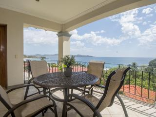 2 BR Oceanica Ocean View Condo, Walk to Flamingo Beach!