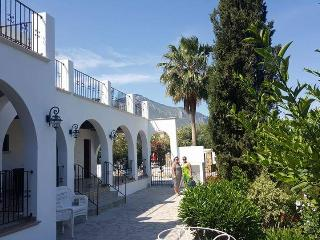 LOVELY MATURE CYPRIOT HOUSE, PRIVATE POOL, LARGE GARDEN, SLEEPS 2 to 6 PEOPLE