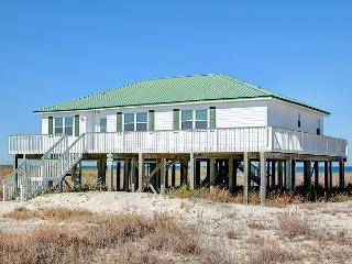 """Mosey Inn"" - 5 Bedroom, 3 Bath, Sleeps 10, On the Bay, Great Views & Deck!, Dauphin Island"