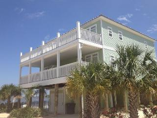 """Indian Bay Yacht Club #5"" - 3 Bedroom - 3 Bath Townhouse - Sleeps 8 - Pool!, Dauphin Island"