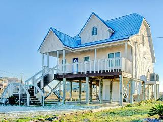 """Island Retreat"" 4 Bedroom, 3 Bath - Sleeps 12, Pet Friendly! Great Decks!, Dauphin Island"