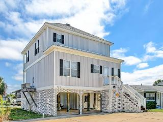 """At Last"" 4 Bedroom, 3 Bath, Sleeps 8, Pet Friendly, w/ Decks on Quivera Bay!, Dauphin Island"