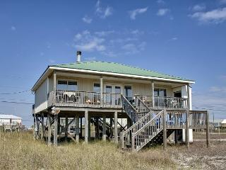 """Just Chillin'"" - 3 Bedroom, 2 Bath, Great Gulf Views, Pet Friendly -2 Kings!, Dauphin Island"