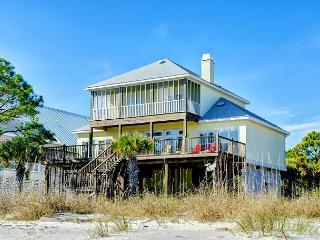 """Island Sunrise"" - 4 Bedrooms, 3.5 Baths - Sleeps 12 - Gulf Front - 3 Kings!, Dauphin Island"