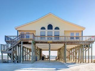 'Surfside' on the Gulf of Mexico | Huge Great Room | Dog-Friendly!, Dauphin Island