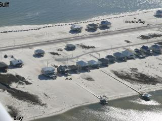 """Fish Bones"" 4 Bedroom 2.5 Bath - Bay Beach, Boat/Fishing Dock, Dog Friendly!, Dauphin Island"