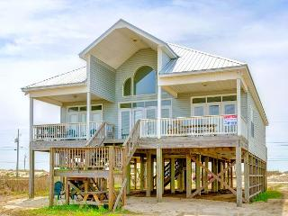 """Summer Breeze"" 4 Bedroom, 3 Bath + Loft, Sleeps 14, Bay Front, 4 King Beds!, Dauphin Island"